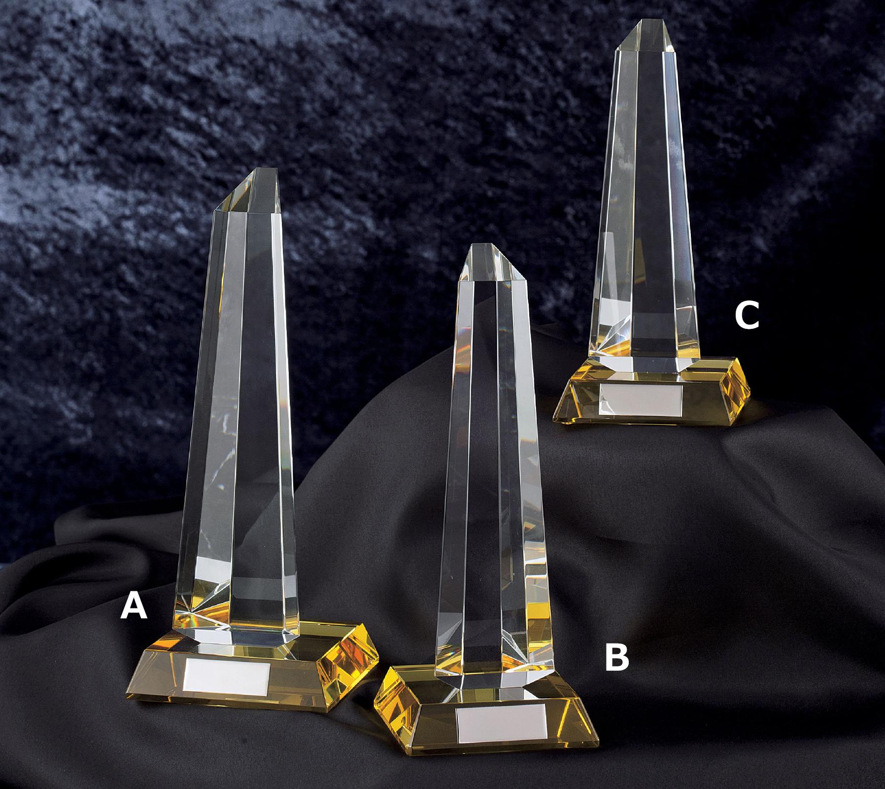 JG-B-517 重量感と高級感を兼ね備える美しいクリスタルガラス。社内表彰や企業表彰には是非おすすめしたい最高級の逸品です。